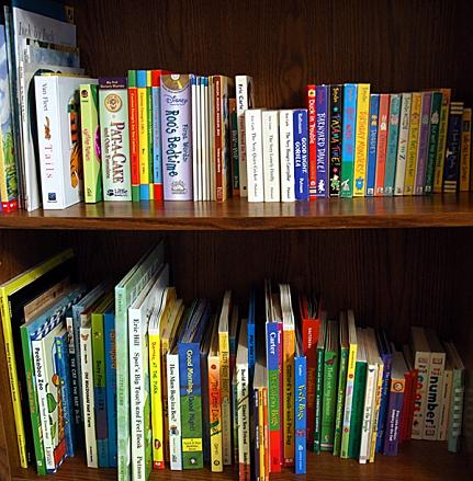 Children_s-books-on-shelf
