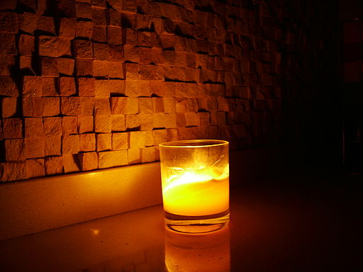 512px-Mosaic_Candle